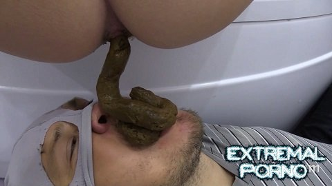 MilanaSmelly - Karina poops after bathing in slave's mouth (Poo19)